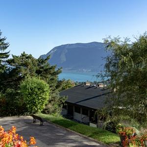 Les Balcons du lac d'Annecy vue lac printemps