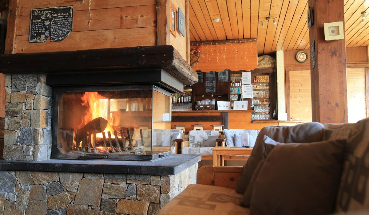 vacances haute savoie bar cheminée