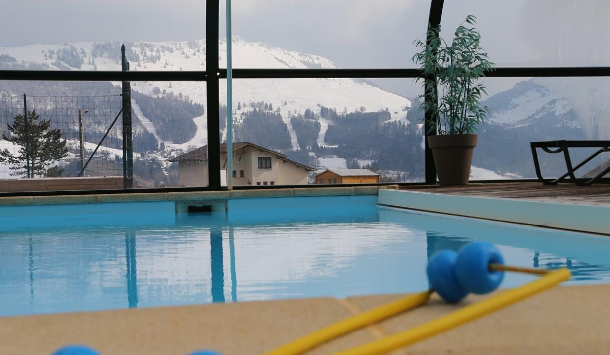 piscine avec vue montagne village-club